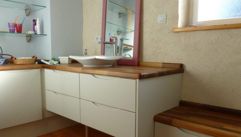 Salle de bain Meuble vasque Epicéa laqué et Noyer LGF Scop Eco-Menuiserie Landivisiau
